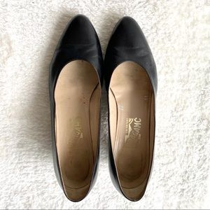 Salvatore Ferragamo Leather Pumps Black Size 9